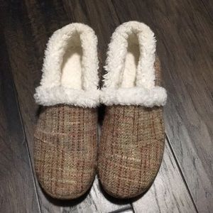 Toms cozy slippers